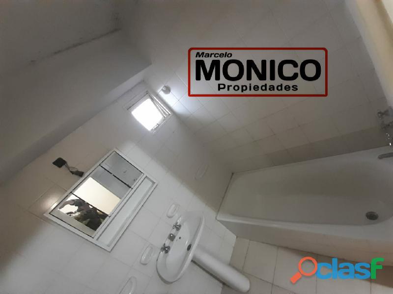 VENTA DE Dúplex DE 3 AMB Ubicado en en Barrio El Hogar Obrero. El complejo cuenta con seg 16