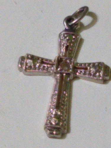 Cruz oro y oro blanco 18 klts con diamantito antiguedad