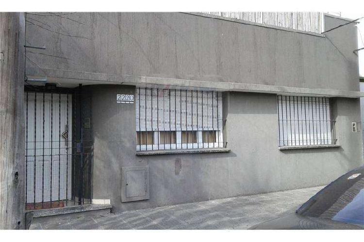 Casa en alquiler villa luzuriaga / la matanza (a017 639)