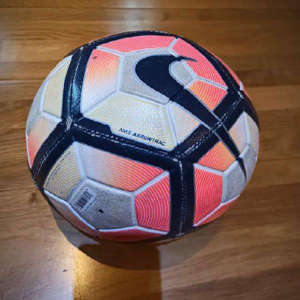 Pelota de futbol nike aerow trac n5 , pelota clasica con