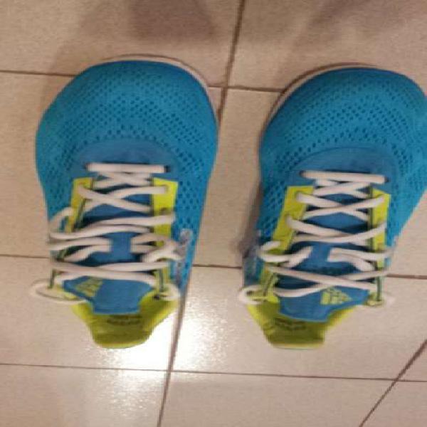 Zapatillas adidas running originales, igual a nuevas.