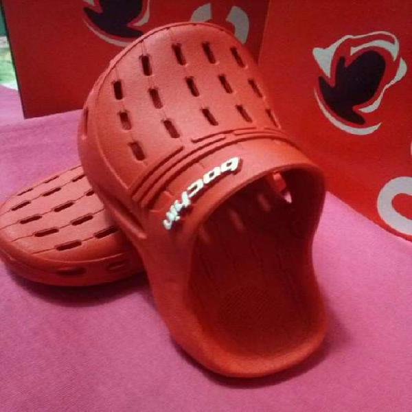 Crocs infantiles unisex (venta de ojotas, chinelas y crocs)