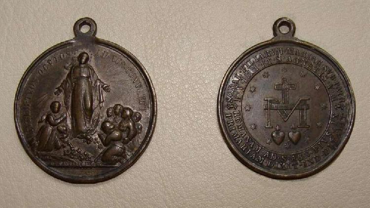 Medalla religiosa de pio ix del siglo xix