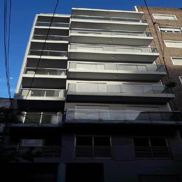Venta departamento 1 dormitorio al frente con balcon