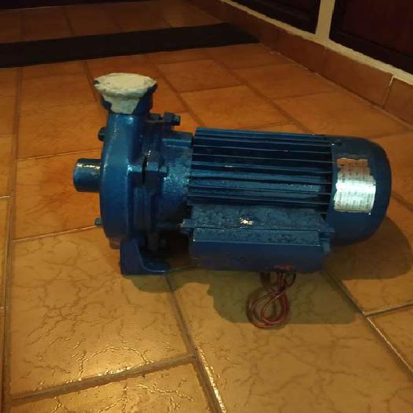 Bomba centrifuga marca salmson de 1 hp monofisita escucho