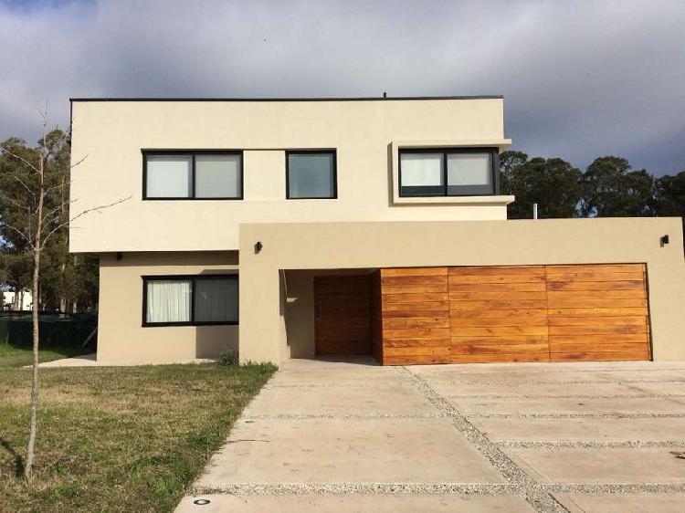 Casa 5 amb barrio privado arenas de sur