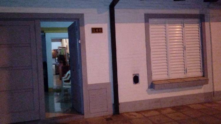 Casa en ph, 3 amb. garage. chivilcoy bs.as.