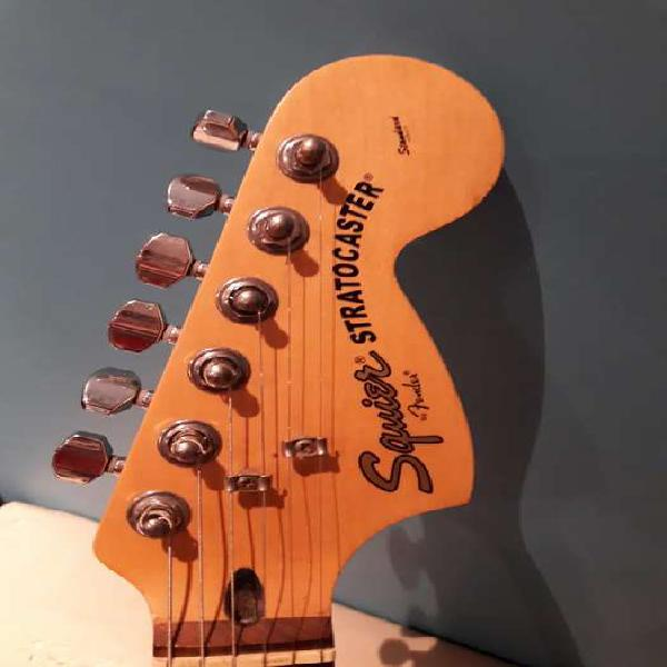 Guitarra squier strato