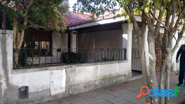 Casa de 2 dormitorios garage - pileta y quincho- temperley