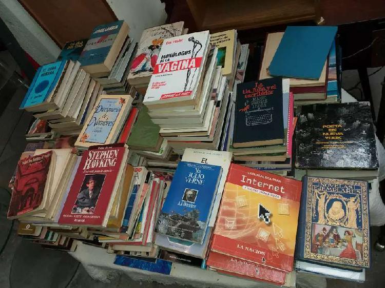 300 libros novelas y de todo tipo a elegir 100$ cada uno