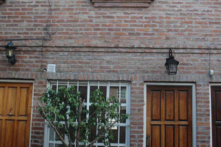 Duplex en alquiler ramos mejia / la matanza (a003 2360)