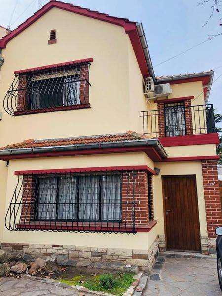 Hermosa casa estilo inglés en alquiler o venta en florida