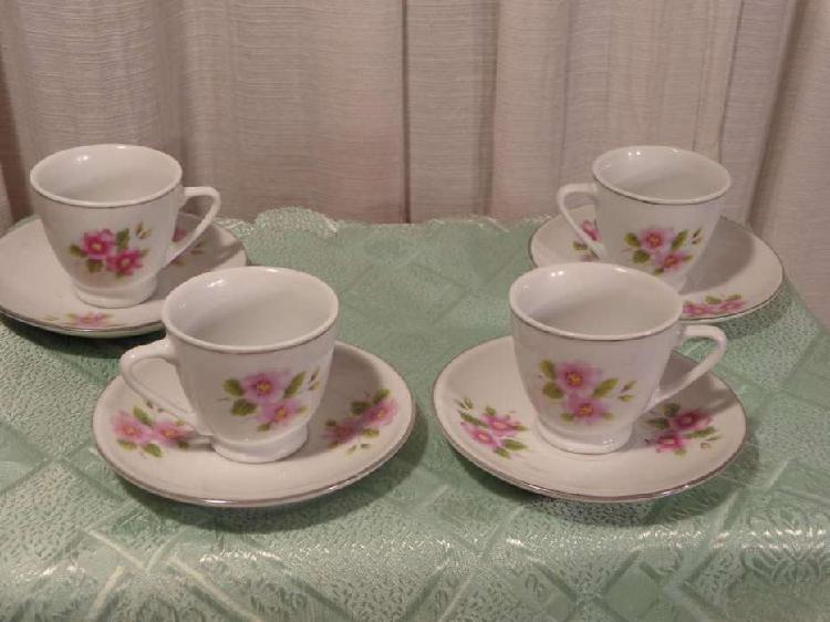 Juego de cafe de porcelana para 4 personas