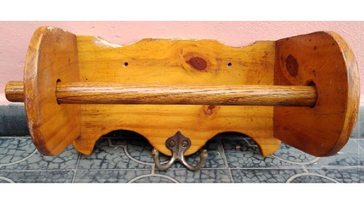 Porta rollo de cocina de madera