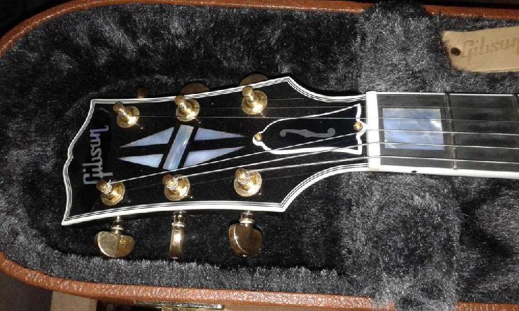 Guitarra gibson 'es les paul custom ebony'