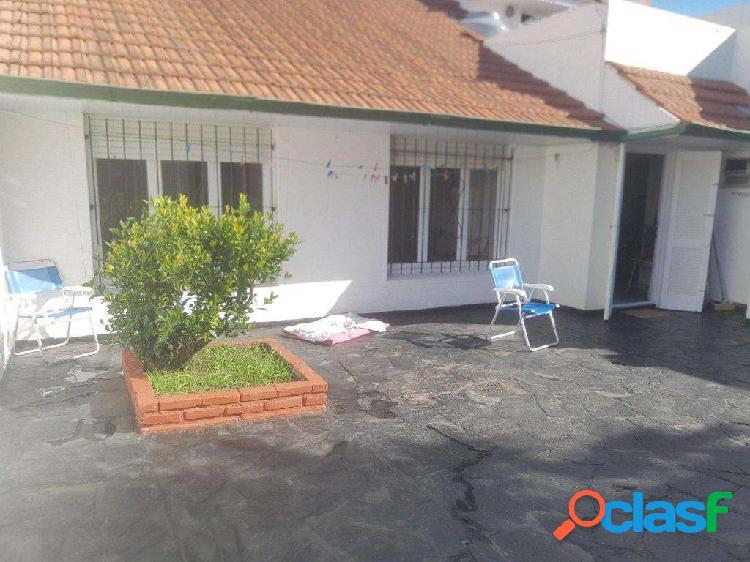 Venta Permuta Chalet 4 Ambientes Reciclado Patio Terraza Garage Quincho Parrilla 2