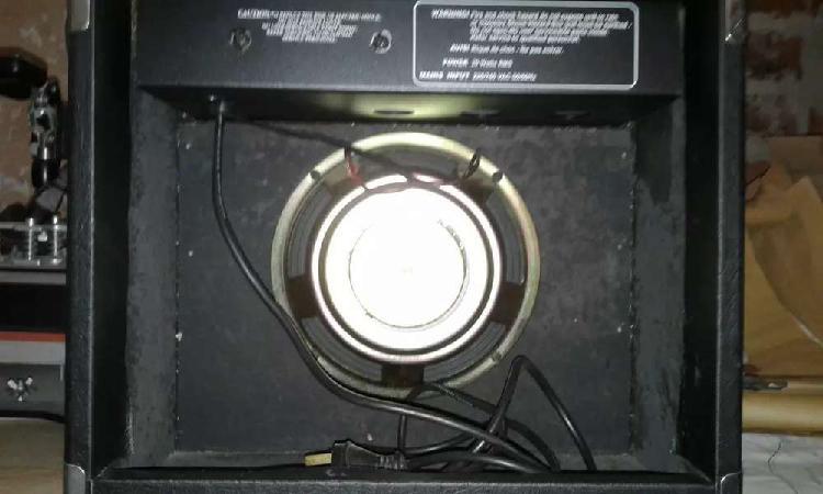 Amplificador de guitarra usado marca decoud rs 20