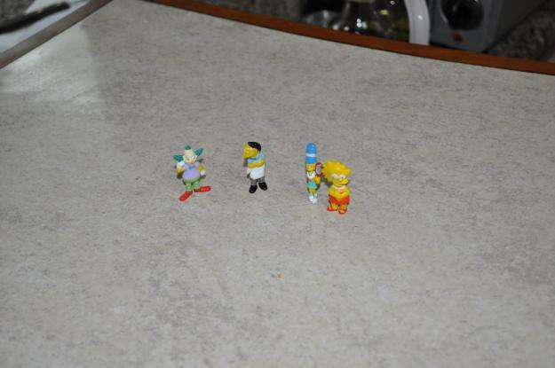 Lote de 4 muñecos jack de la familia simpson !!
