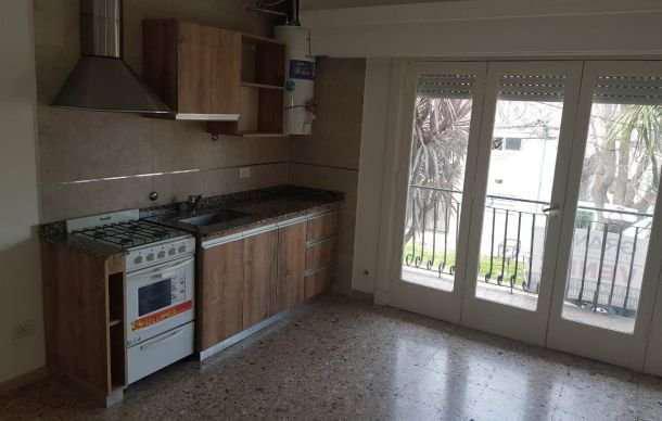 Ph 2 ambientes con garage y balcón