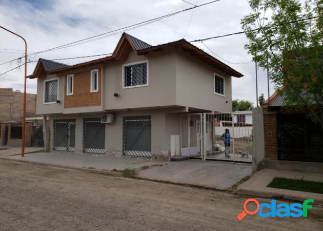 Propiedades mg8, vende casa con salón comercial en la ciudad de cipolletti, rio negro