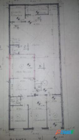 Casa de un dormitorio con cochera + departamento de 2 ambientes al fondo