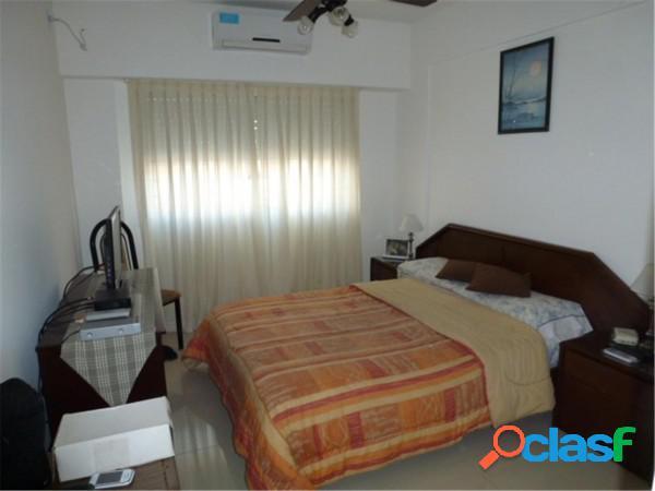 Venta departamento 3 ambientes con balcón y cochera