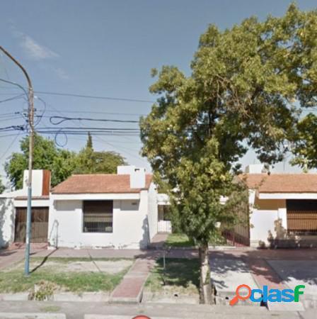 Casa 3 hab ubicadisima en Godoy Cruz, calle Perito Moreno 1