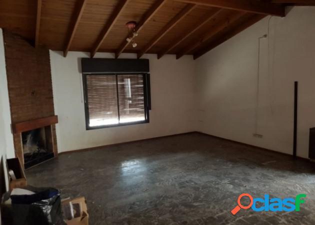 Casa 3 hab ubicadisima en Godoy Cruz, calle Perito Moreno 2
