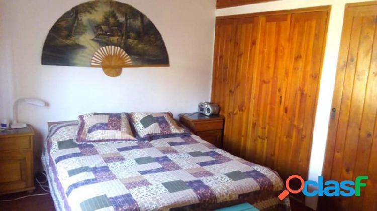 Casa ubicada en barrio las rosas, a 300 mts del río san antonio