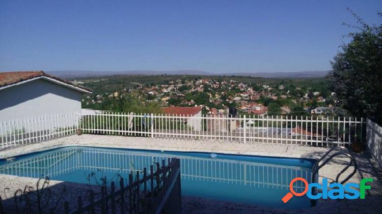 Oportunidad:Tres propiedades en un mismo terreno en Miguel Muñoz 1