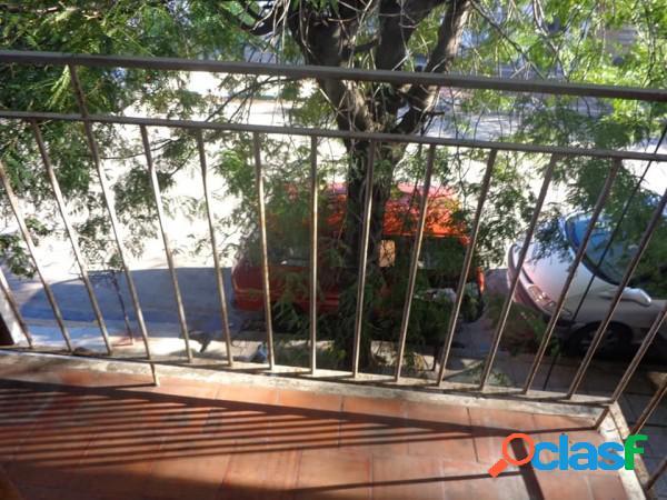 Ph tres ambientes al frente en venta. barrio san juan mar del plata