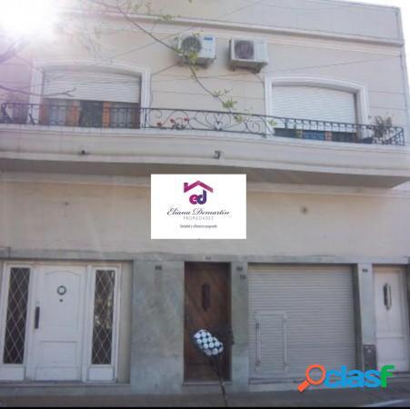 Ph tipo casa en planta alta. 3 ambientes, patio y balcon.