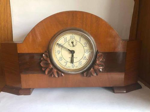 Antiguo reloj de mesa armazón de madera marca ríe roe