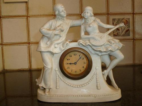 Antiguo reloj de mesa de porcelana alemana biscuit