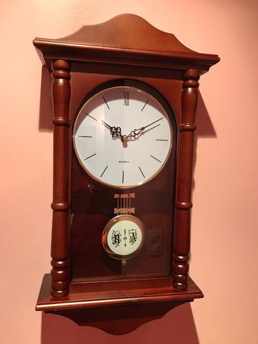 Reloj con pendulo y melodias de madera pared