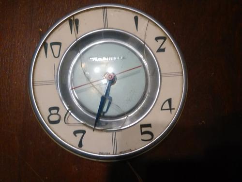 Reloj eléctrico antiguo decoración