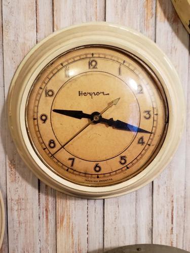 Reloj pared antiguo retro vintage funcionando!!