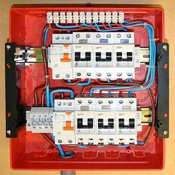 Servicios eléctricos domiciliarios