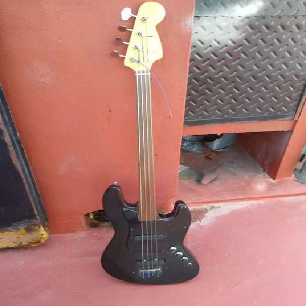 Bajo jazz bass fain fretless