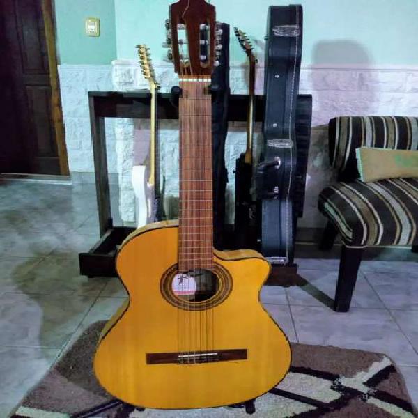 Guitarra fonseca electrocriolla