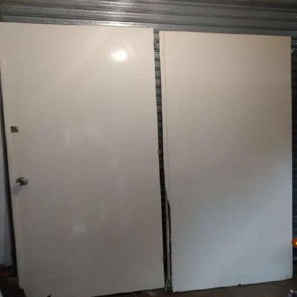 Portón doble depósito fabrica galpón