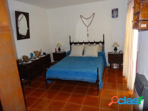 Venta casa 2 habitaciones, garage doble barrio san isidro