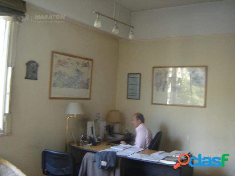 Oficina en Alquiler en Plaza San Martín 1