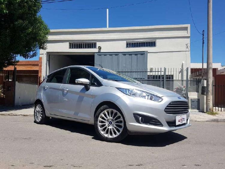 Ford fiesta kd se plus 2015 gris 5 ptas 75.000 km