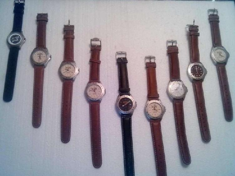 Lote de relojes y de repuestos