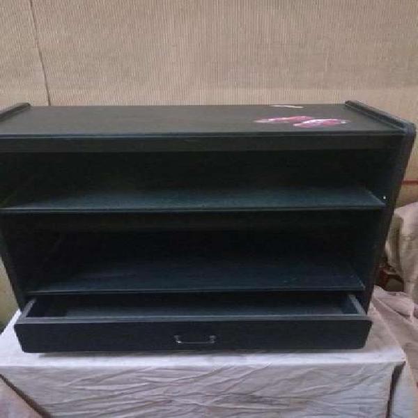 Mueble rack para audio con dos estantes, cajon y ruedas