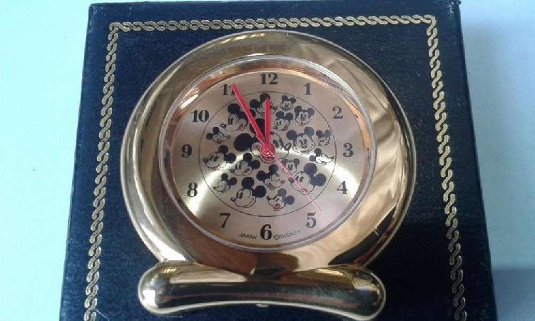 Reloj mickey mouse de pie metal gold disney time works japan