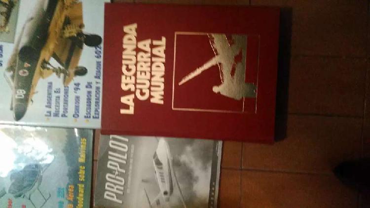 Revistas y libros militares y de aviones