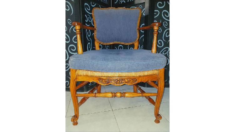 Vendo sillón estilo provenzal. antiguo. nalo.
