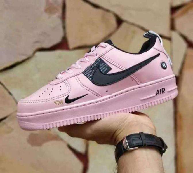 Zapatillas Nike Force Lv8 talle 37 38 nuevas en caja. Zona